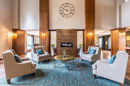 Lobby | Clarion Hotel Portland Airport