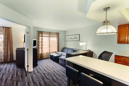 Living Area | HYATT house Denver Tech Center