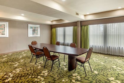 Meeting Facility   Quality Suites Sherman