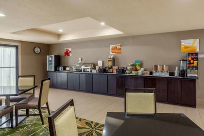 Breakfast Area   Quality Suites Sherman