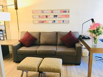 Living Area | Windmill Suites Surprise, an Ascend Hotel Collection Member