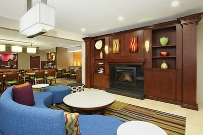 Lobby | Fairfield Inn & Suites by Marriott Colorado Springs South