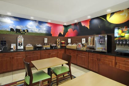 Breakfast Area | Fairfield Inn & Suites by Marriott Colorado Springs South