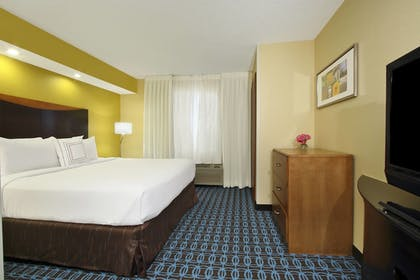 Guestroom | Fairfield Inn & Suites by Marriott Colorado Springs South