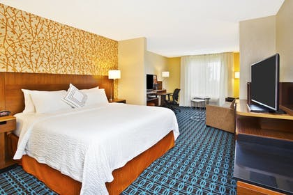 Guestroom | Fairfield Inn & Suites by Marriott Madison West/Middleton