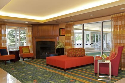 Lobby Sitting Area | Fairfield Inn & Suites by Marriott Chicago Naperville