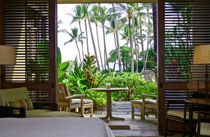 | Superior Accessible Suite Ocean View | Four Seasons Resort Hualalai