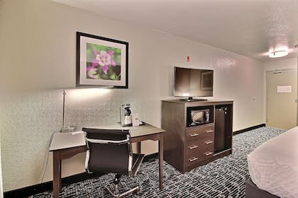 Living Area | Best Western Greeley