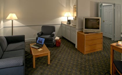 Living Room | Comfort Inn
