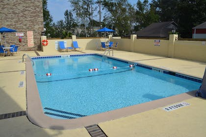 Outdoor Pool | Comfort Inn