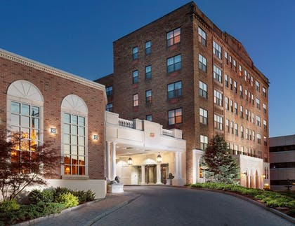 Featured Image | Genesee Grande Hotel and Suites