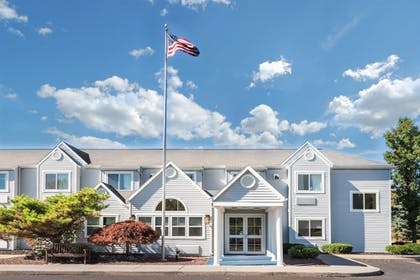 Hotel Front | Microtel Inn by Wyndham Victor/Rochester
