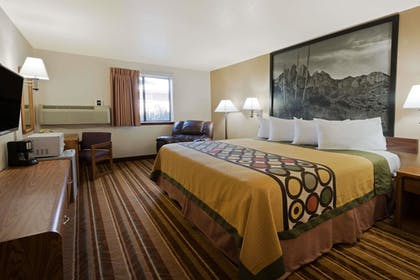Guestroom | Super 8 by Wyndham Las Cruces/White Sands Area