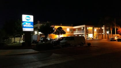Hotel Front - Evening/Night | Best Western Americana