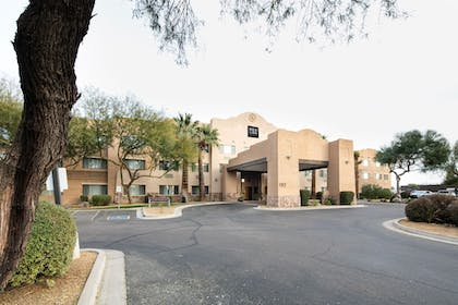 Hotel Front | Red Lion Inn & Suites Goodyear Phoenix