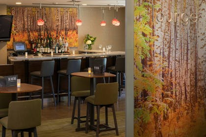 Hotel Bar | Courtyard by Marriott Anchorage Airport