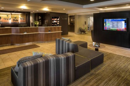 Lobby | Courtyard by Marriott Anchorage Airport