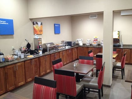Breakfast Area | Comfort Inn & Suites Junction City - near Fort Riley