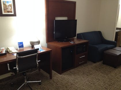 Living Area | Comfort Inn & Suites Junction City - near Fort Riley