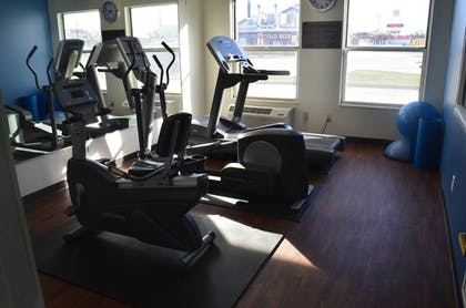 Fitness Facility | Comfort Inn & Suites Junction City - near Fort Riley