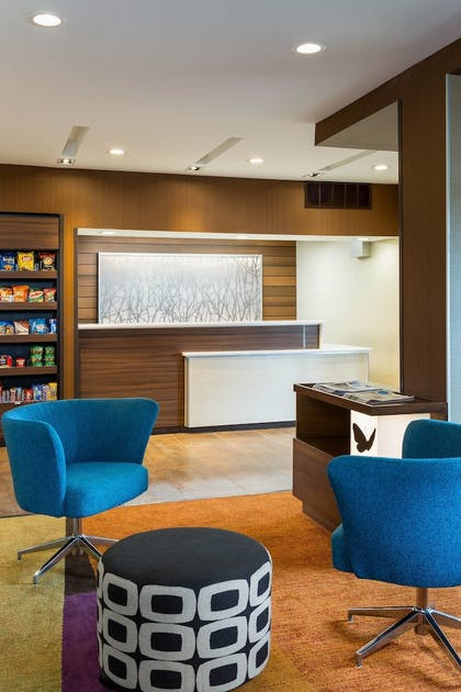 Lobby | Fairfield Inn and Suites by Marriott Valparaiso