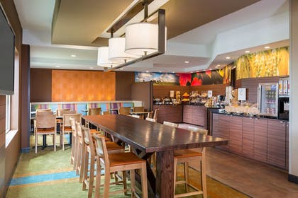 Restaurant | Fairfield Inn and Suites by Marriott Valparaiso