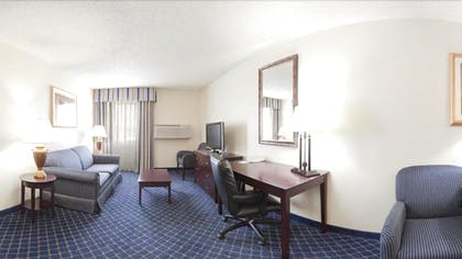 Living Room | Holiday Inn Express Hotel & Suites Scottsbluff-Gering