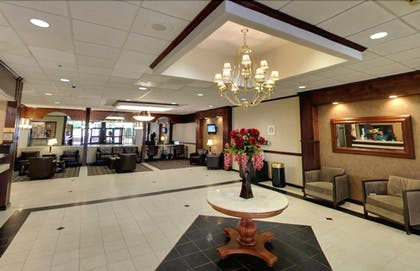 Lobby   E Hotel Banquet & Conference Center