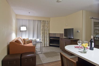 Living Room | Hampton Inn & Suites Chillicothe