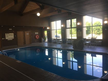 Pool | Hampton Inn & Suites Chillicothe