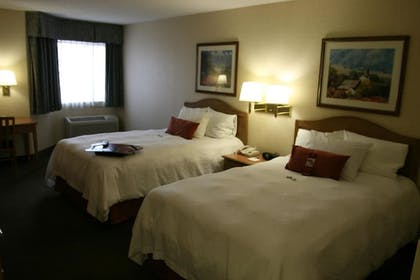 Guestroom | Hampton Inn & Suites Chillicothe