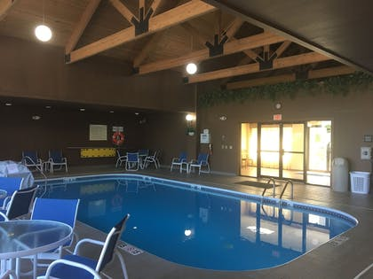 Indoor Pool | Hampton Inn & Suites Chillicothe