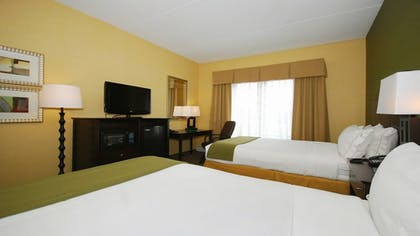 Room | Holiday Inn Express and Suites Kittanning