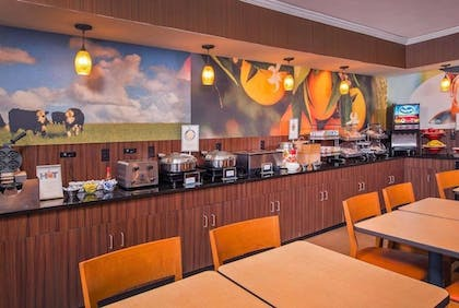 Breakfast Area | Baymont by Wyndham Chambersburg