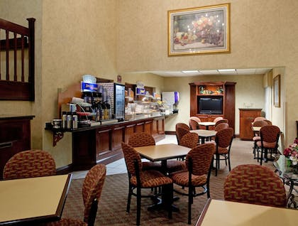 Restaurant | Holiday Inn Express Hotel & Suites Lexington-Hwy 378
