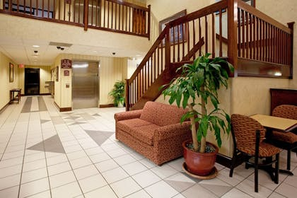 Lobby | Holiday Inn Express Hotel & Suites Lexington-Hwy 378
