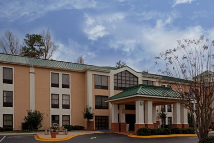 Exterior | Holiday Inn Express Hotel & Suites Lexington-Hwy 378