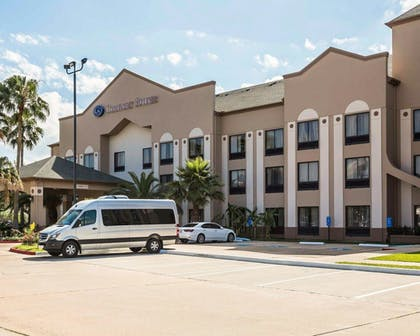 Featured Image | Comfort Suites Stafford Near Sugarland