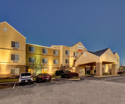 Hotel Front - Evening/Night | Fairfield Inn By Marriott Potomac Mills