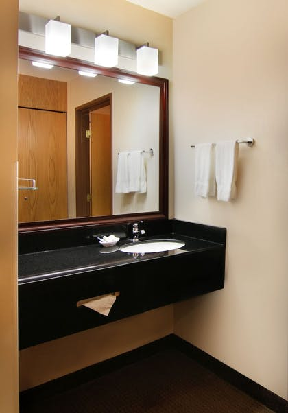 Bathroom | Best Western Plus City Center
