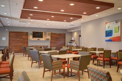 Breakfast Area | Holiday Inn Express & Suites - North Platte