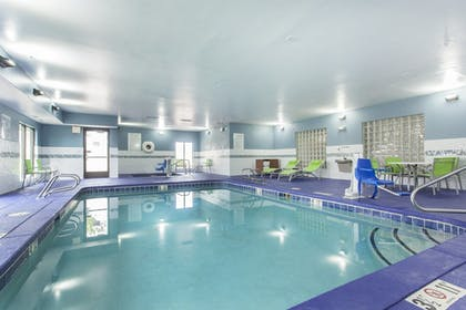 Featured Image | Holiday Inn Express And Suites Santa Fe