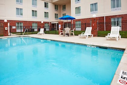 Pool | Holiday Inn Express White House