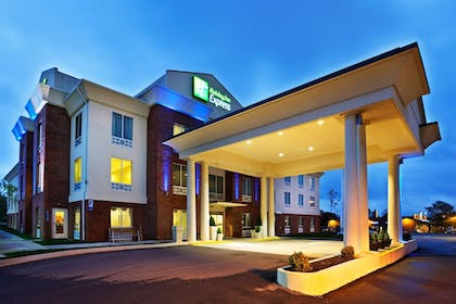 Featured Image   Holiday Inn Express White House