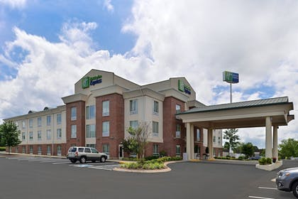 Exterior | Holiday Inn Express White House