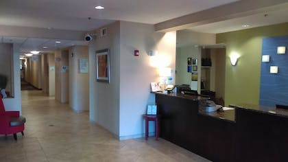 Interior Entrance | Holiday Inn Express White House