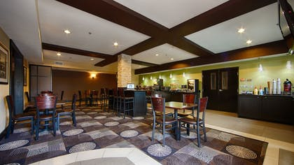 Breakfast Area | Best Western Plus Arlington North Hotel & Suites