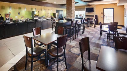 Restaurant | Best Western Plus Arlington North Hotel & Suites
