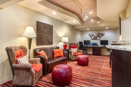 Lobby | Clarion Inn & Suites West Knoxville