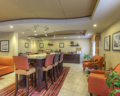 | Clarion Inn & Suites West Knoxville
